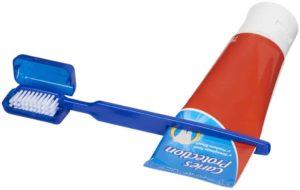 Kefka na zuby Dana s vytlačovačom pasty